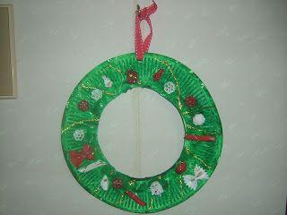 Preschool Crafts for Kids*: wreath