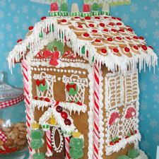 12+ Gingerbread House Designs: {Free Patterns & Ideas}
