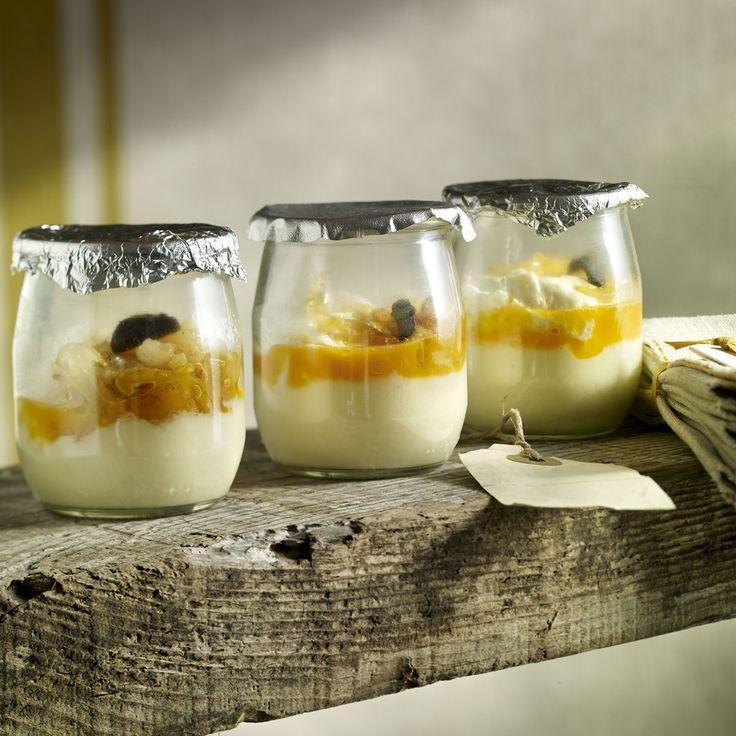 Huevos escalfados con trufa en tarrina de yogur