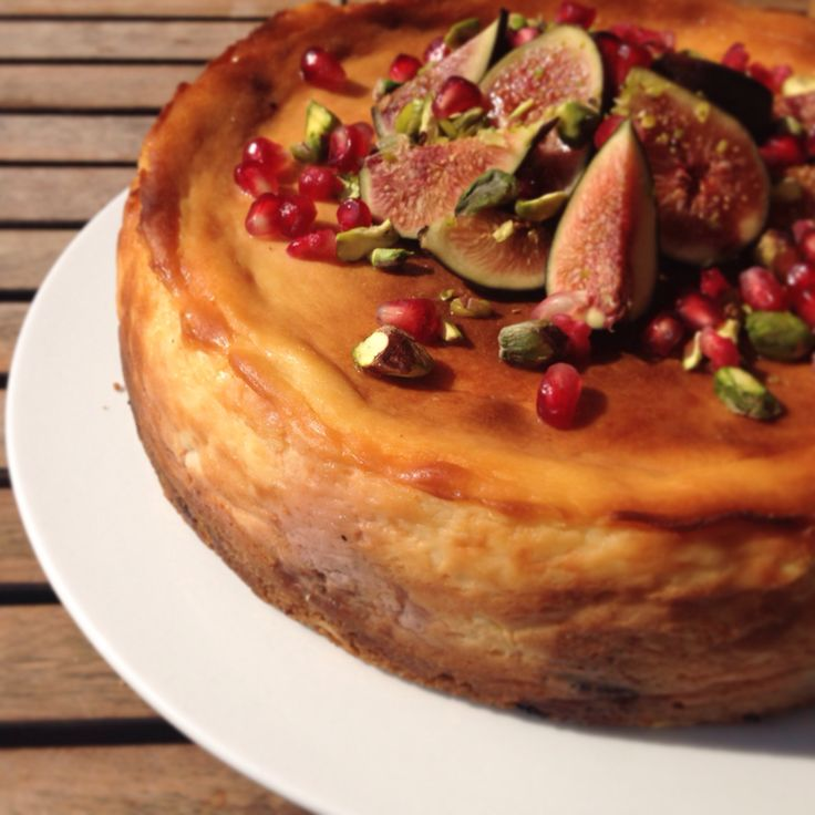 Rose-scented fig and honey cheesecake