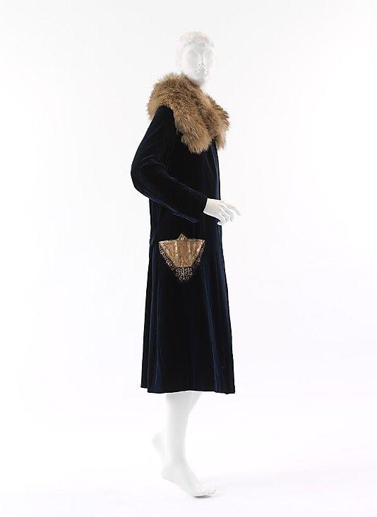 Coat Paul Poiret (French, Paris 1879–1944 Paris)  Date:     ca. 1925 Culture:     French Medium:     silk, fur