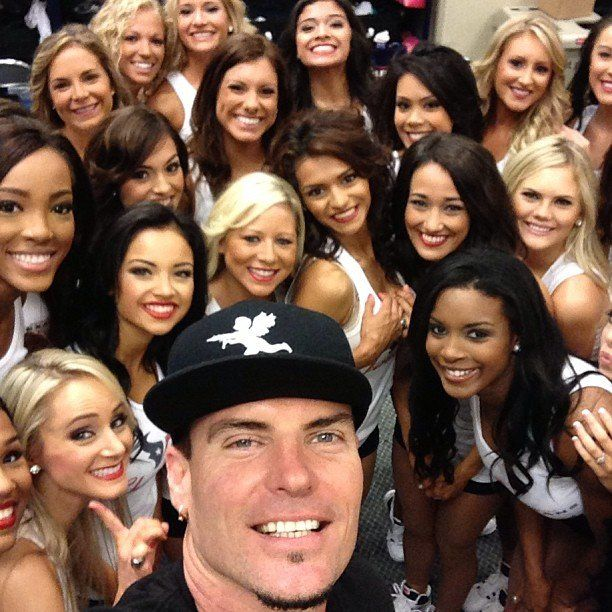 Vanilla Ice performs at the Texans game The Texans home opener will be a memorable one. The team unveiled their 2012 AFC South Championship... http://www.PaulFDavis.com/success-speaker (info@PaulFDavis.com)