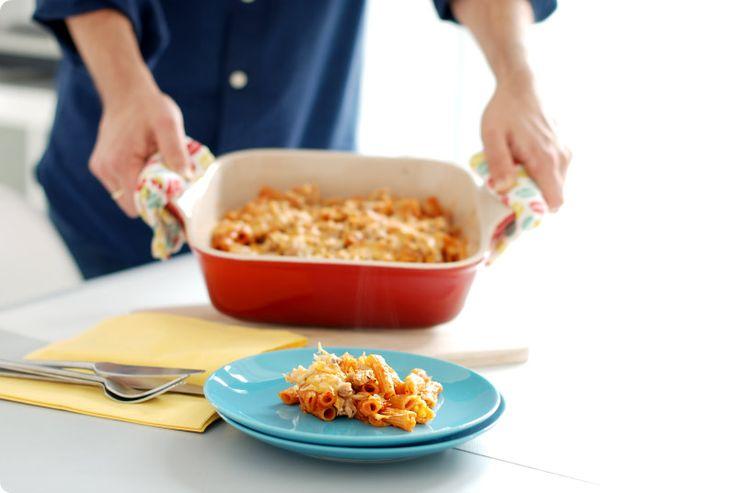 Si tienes poco tiempo y además tienes niños en casa, prepara unos macarrones exprés con atún en Thermomix. Te resuelve la comida en 30 minutos.