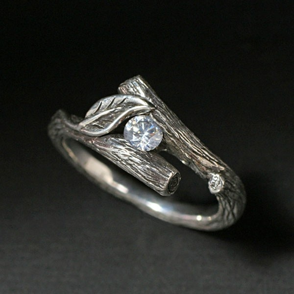 KIJANI -Single Leaf Ring in Sterling Silver and Set With White Sapphire, or your choice of stone. $165.00, via Etsy.: Leaf Rings, Kijani Single, Single Leaf, 14K Gold, Diamonds Rings, Gold Rings, White Sapphire, White Gold, Engagement Rings