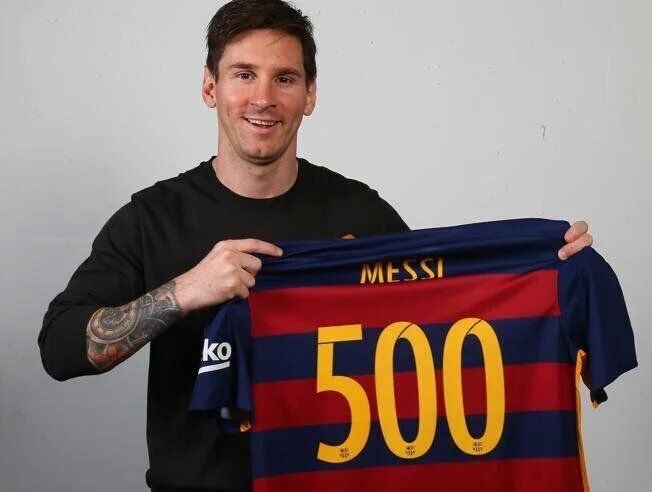 Argentinian and Barcelona star Lionel Messi notched up his 500th career goal yesterday in the Copa del Rey semi-final against Valencia. That puts him at 100 goals per Balon d'Or. 05.02.16