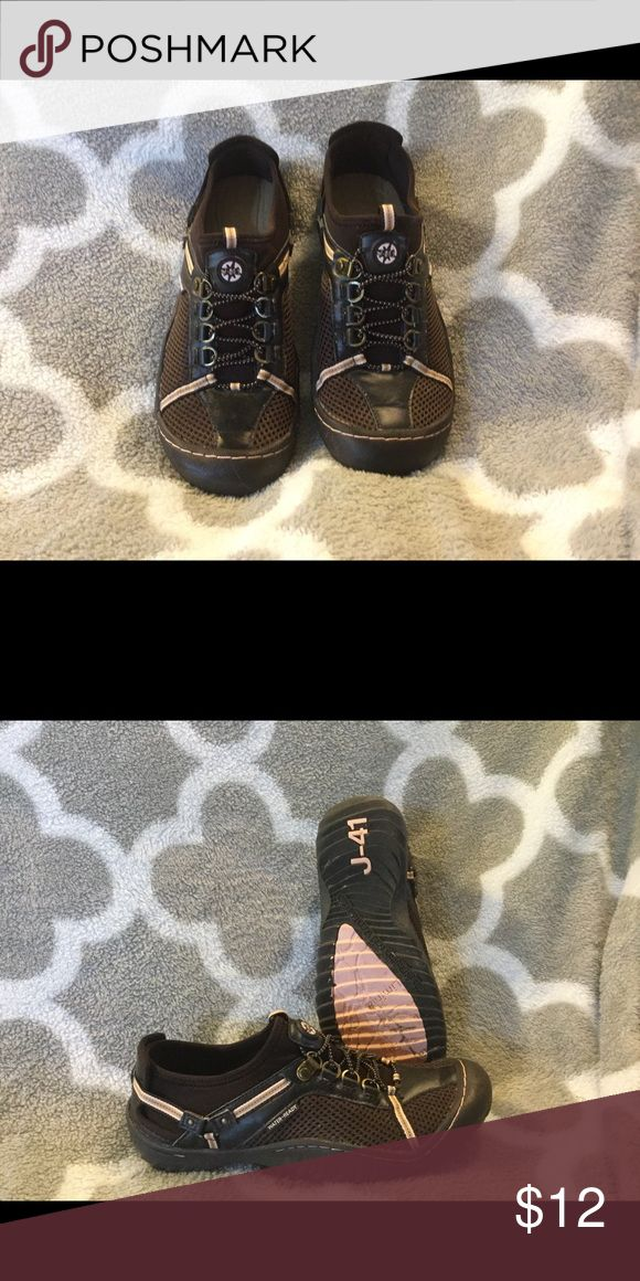 Jeep brand slip on Jeep brand slip on. Rubber and water resistant soles. Cute and comfortable. Worn a few times. Jeep Shoes Athletic Shoes