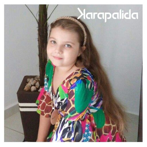Começando a semana com a fofíssima Alana, de 6 anos. A pequena diva veste blusa de estampas da Karapalida! #inverno2016 #elausa #karapalida #kids