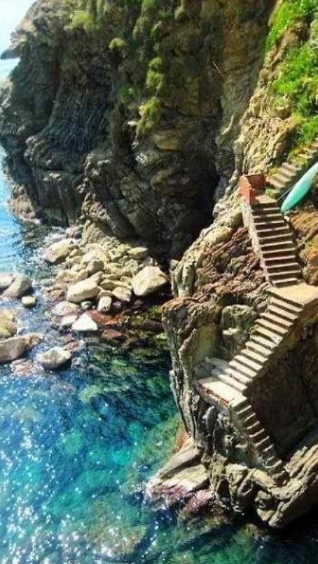 Steps at the Almafi Coast....bellisimo!