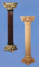 Columna con capitel y base estilo Jónico.  Fabricado y decorado artesanalmente con un material innovador resistente y ligero como es la resina de poliuretano. Tiene un tacto semejante a la madera pero sin sus inconvenientes. Medidas: Altura 106 cm, base y capitel 46 cm de anchura. Precio: 263 euros   #decoracion con encanto #Espejos