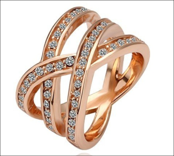 18 karat gold and intertwined ring for my