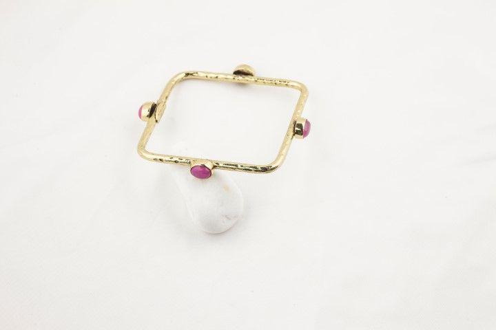Square bracelet with 4 pink stones - EmKha