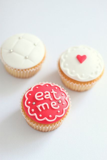Alice in Wonderland Cupcakes #baking