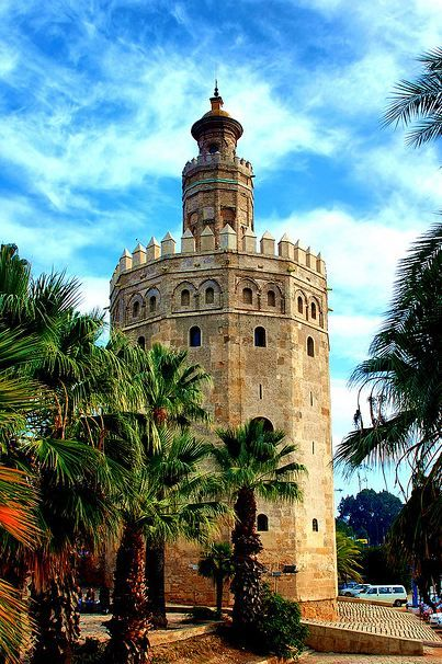 Place: Torre del Oro, #Sevilla / #Andalucía. Photo by: José Manuel Azcona…