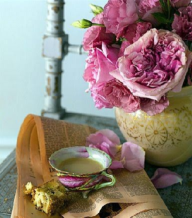 vasePink Flower, Heirloom Rose, Teas Time, Teas Cups, Interiors Design, Ana Rosa, Pink Rose, Teacups, Teas Parties