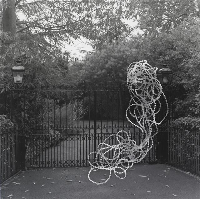 The sanctuary: London (gate) - Hipkins, Gavin