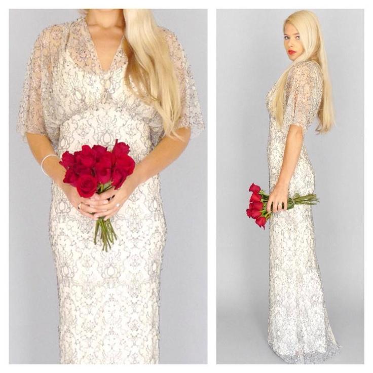 Kimono Wedding Gown: Vintage Lace Kimono Sleeve Wedding Gown With Red Rosé