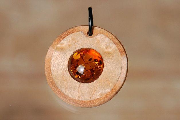 Edelsteinschmuck - Bernstein Holzkunst, Anhänger mit Edelstein - ein Designerstück von intarsia108 bei DaWanda