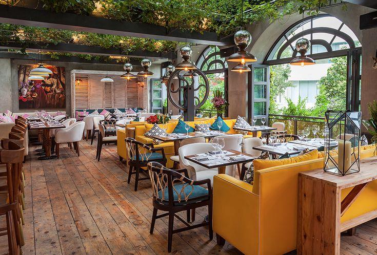 La combinación perfecta de arquitectura, ambiente y comida.