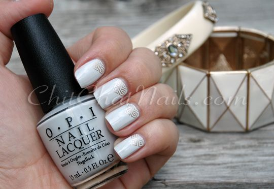 Love strategically placed stamps! #alenanailfaves