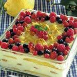 tiramisu-delicato-al-limone-con-frutti-di-bosco preparazione