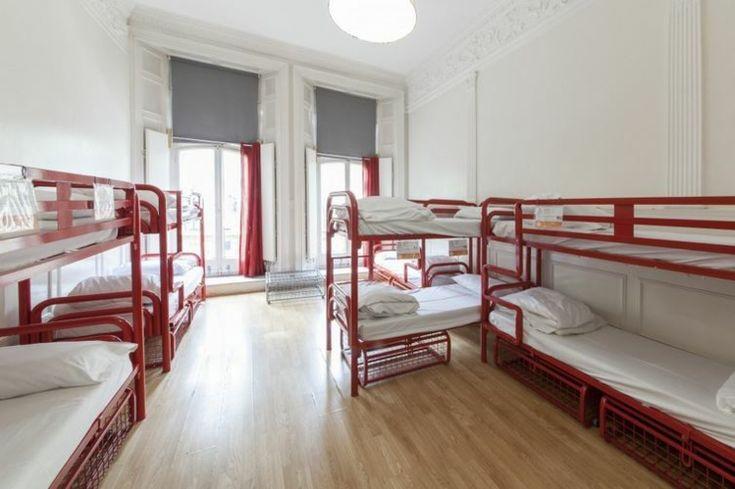 Las habitaciones de este hostel en Londres son amplias