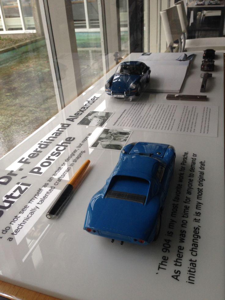 FA Porsche display