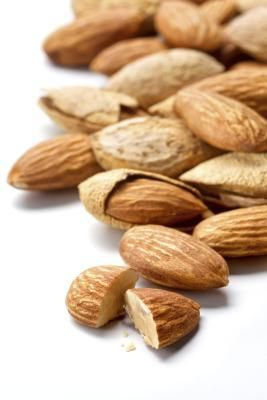The Best Snacks for Reactive Hypoglycemia: stop lightheaded at work: Nuts, apples, pears, oranges, yogurt, peanut better