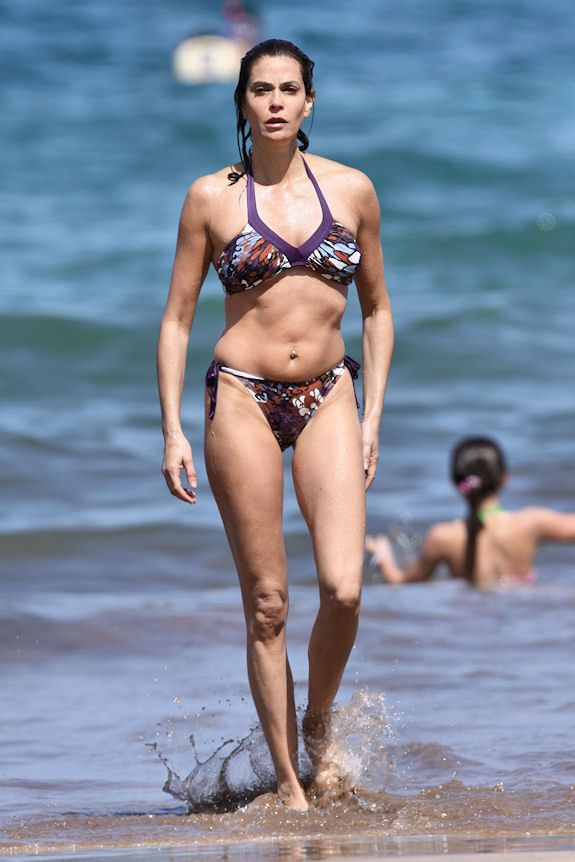 Terri Hatcher. Has the same manly body frame as Angie Jolie… Urgh!…, Hot Babes Naked