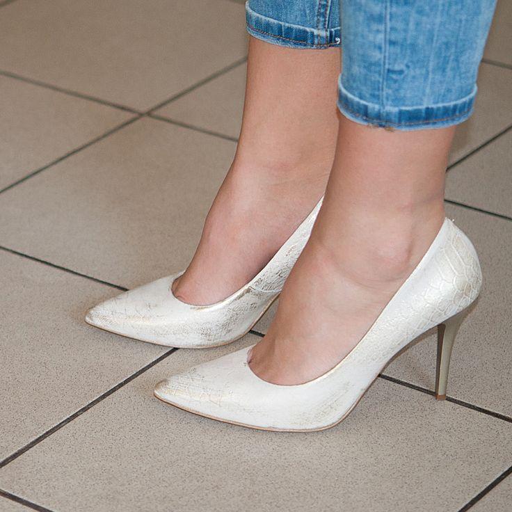 Klasyczne czółenka to znakomity dodatek nawet do jeansów!  #eksbut  #eksbutstyle #fashion #moda #women #beauty #fashionstyle