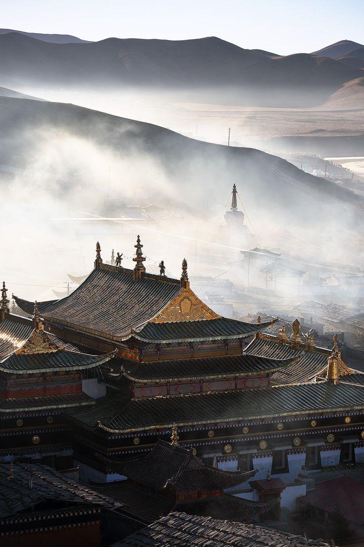 Tibetan Buddhist Temple - Ruoergai,  Sichuan,  China. Photo by Noah Sheldon