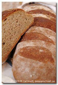 Skållat rågbröd med solrosfrön - Hembakat bröd