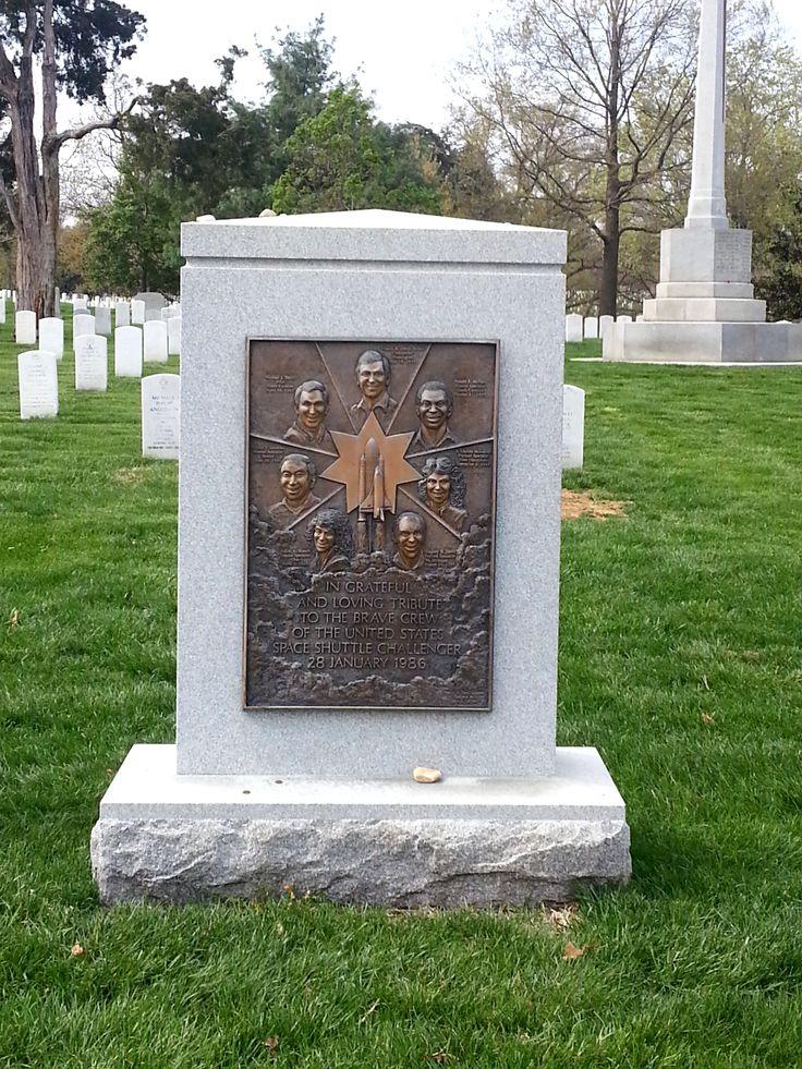 Mémorial pour les membres de l'équipage de la navette Challenger #arlingtoncemetery