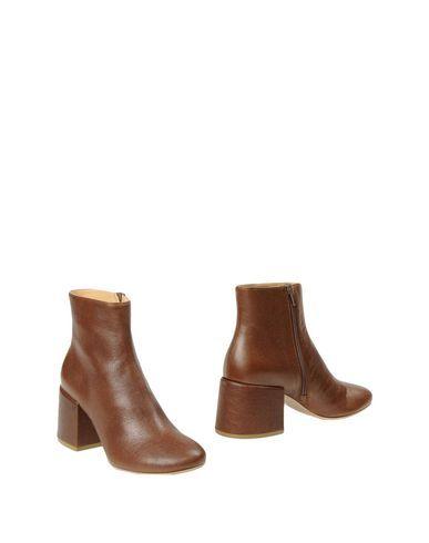 MM6 MAISON MARGIELA Ankle boot. #mm6maisonmargiela #shoes #