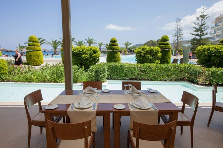 When those lunch time cravings set in, a meal by the pool is the way to go!