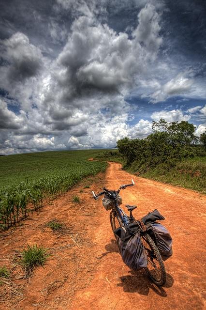 Foto linda da Estrada Real - Entre Rios de Minas Gerais, Brasil, by victorguidini, via Flickr