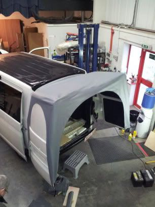 Rear Canopy/Awnining Over Barn Doors - Page 3 - VW T4 Forum - VW T5 Forum                                                                                                                                                                                 Más
