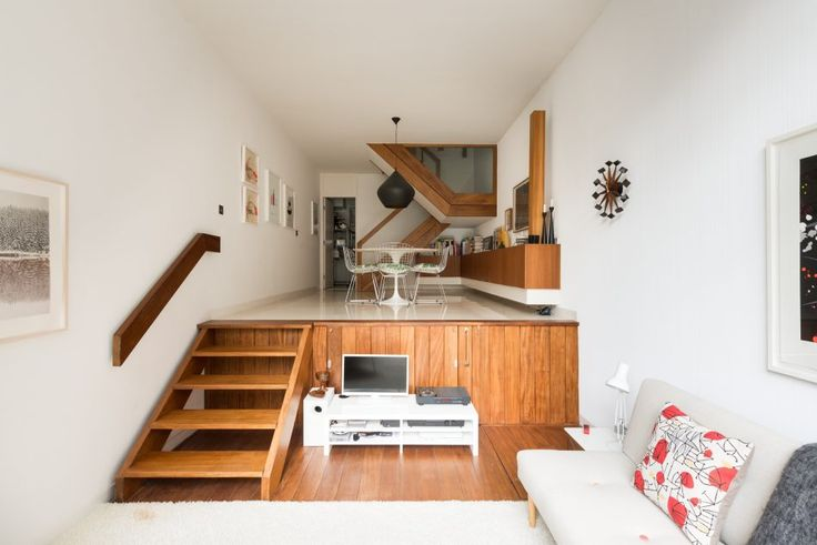 Occupying a unique position within the Barbican estate, this one-bedroom split-level duplex apartment forms part of the iconic Brandon Mews terrace. Recognisable by its U-shaped window, the apartment has remarkable views across the water towards the Barbican Centre. Private steps from podium level lead down to the apartment's front door. Accommodation is inverted, with the […]