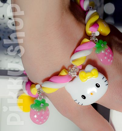 Marshmallow Cuteness Bracelet from Pikku Shop | www.pikku-shop.com | Hello Kitty, strawberry