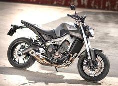 Yamaha MT-09 a