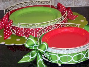Cute display for plates and you can change out the ribbon to match your theme! & 37 best Paper Plate Holders images on Pinterest | Paper plates ...
