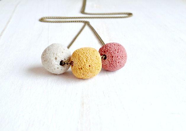 long chain, necklace - Lavastein Kugeln • Geometric Design • LoveMag - ein Designerstück von Annundfuermich bei DaWanda