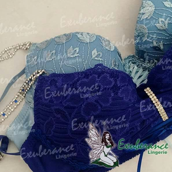 Vai de azul? Azul Claro ou Azul Bic? Comece a semana renovada! Espero por Você aqui na loja Rua Renato de Lacerda, 180H - V. Sabrina whatsapp 99619-4620 By Lilian Rocha #ExuberanceLingerie #lingerie #azul #azulBic #lingerieAzul