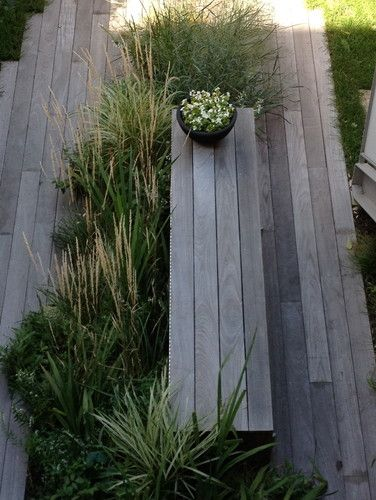 Boardwalk-style bench with grasses - would look out of place in the woods up here, but lovely to look at