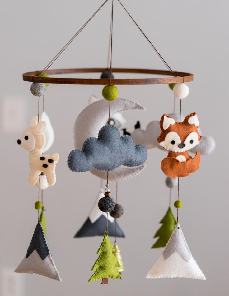 Woodland Mobile / Woodland Animal Nursery / Felt Mobile / Mountain Nursery / Felt Moon / Nursery Decor / Scandinavian Decor / Felt Cloud