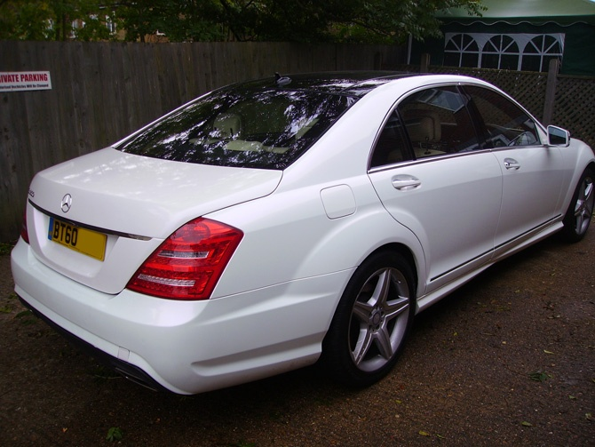 mercedes s500 pearl white vinyl wrap wrapping cars london pearlescent white mercedes s500 full. Black Bedroom Furniture Sets. Home Design Ideas