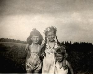 Prussian children | My sisters and I taken in East Prussia Summer 1944.I am the one in the ...
