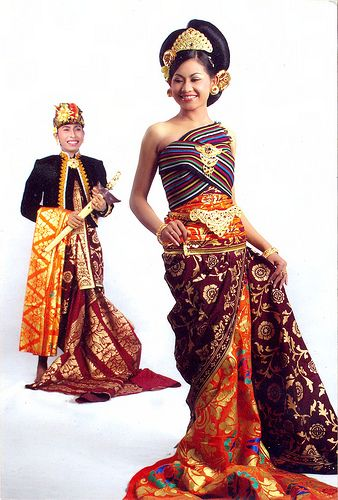 Ooh, pretty! Balinese wedding couture!