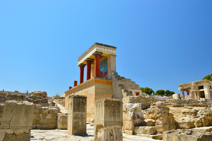 Knossos palace at Crete, an amazing monument worth your time...