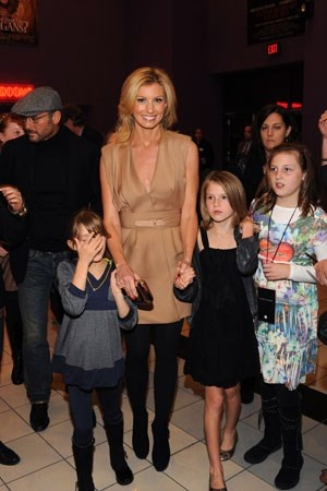 Tim McGraw and Faith Hill with their girls