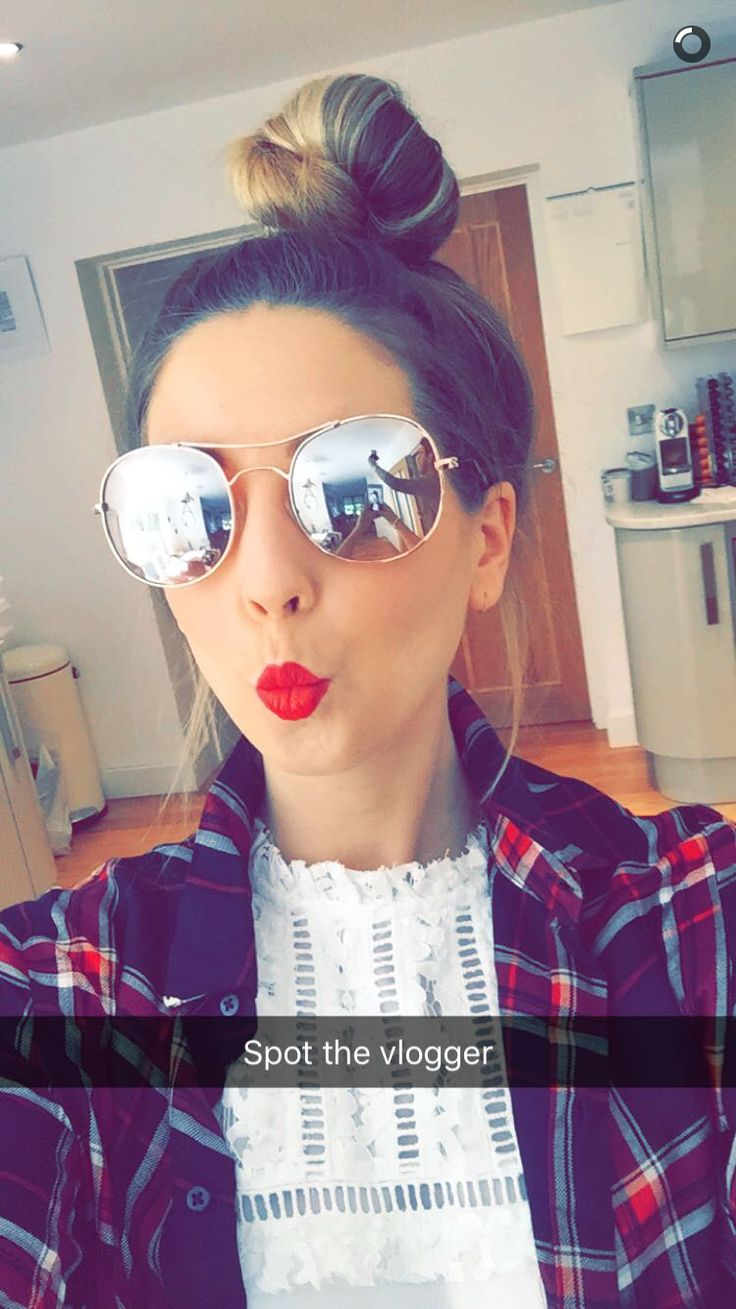 ~Zoe looking very beautiful~wish I could meet her favourite youtuber ever like and follow if u agree xxxx